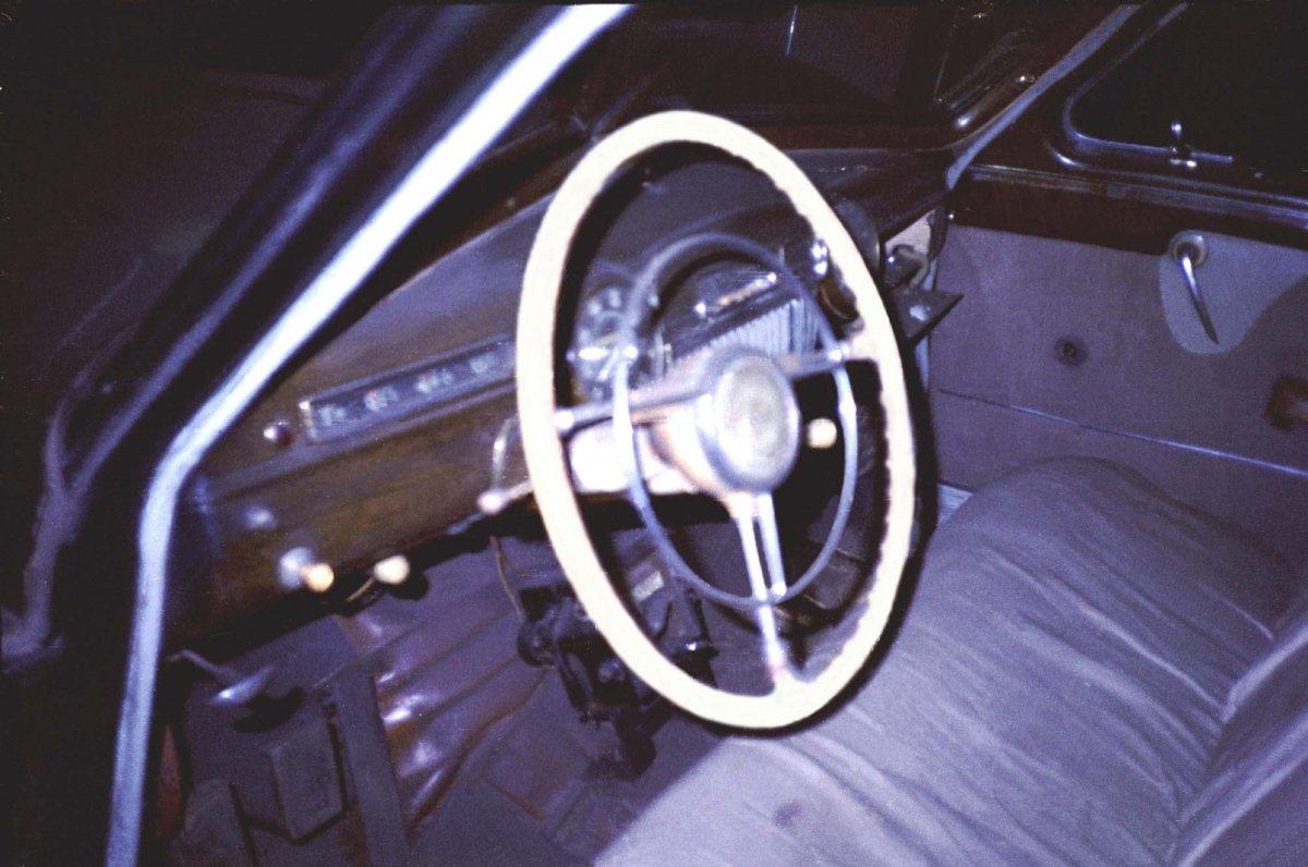 05-500 ЗиМ  щиток  Музей такси.JPG